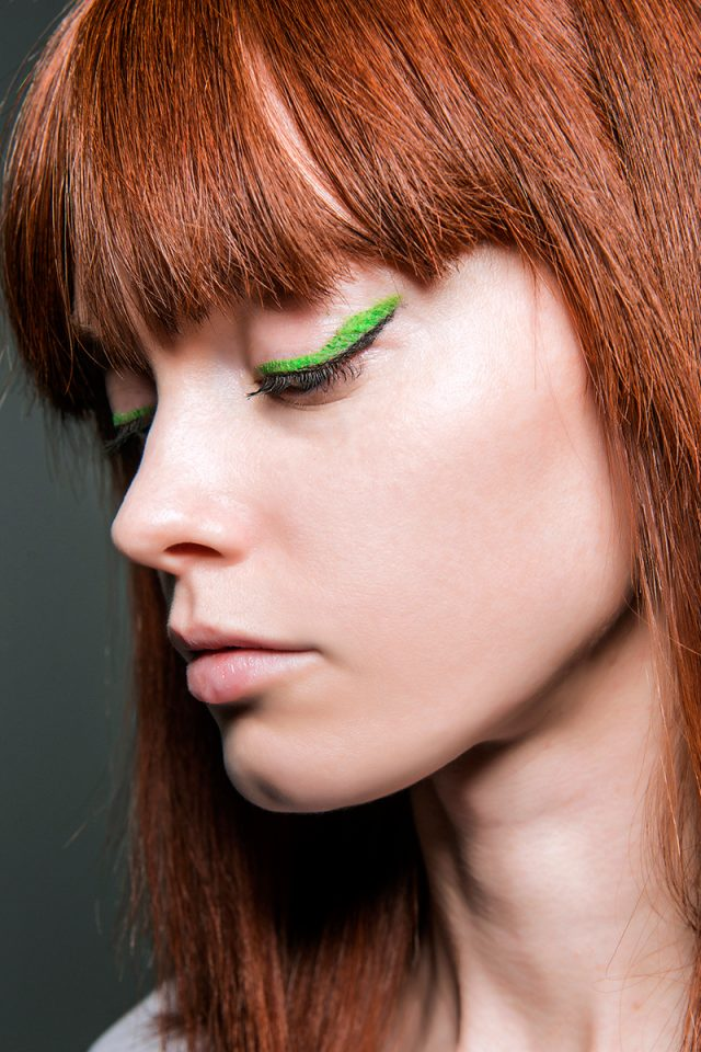 eyeliner de colores en verde | tendencias 2018